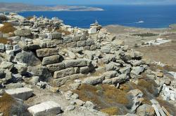 Z vrcholu Kythnos na Délu se naskýtá přímo božský pohled. Kredit: Wikimedia Commons.