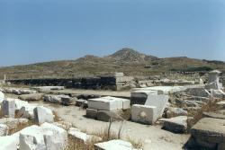 Velký Apollónův chrám na Délu, 477 před n. l. na starším kultovním místě. Kredit: Wikimedia Commons