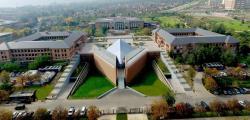 Universidad de los Andes, Santiago. Univerzitní pracoviště většiny autorů publikace. Kredit: ULA.