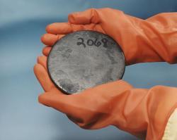 Vysoce obohacený uran. Kredit: Wikipedia.