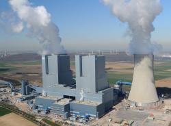 V Německu budou uhelné elektrárny v provozu ještě hodně dlouho, hnědouhelná elektrárna Neurath (zdroj RWE).