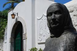 Příchod k domu Laskariny Bubulíny na ostrově Spetses. Kredit: Jeanhousen, Wikimedia Commons.