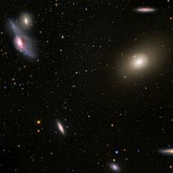 Střed kupy galaxií vPanně: Kredit: NASA/ESA/ESO/NAOJ/G. Paglioli; R. Colombari/G. Paglioli.