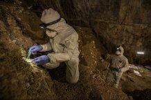 Vykopávky v jeskyni Chiquihuite odhalily téměř 2000 kamenných nástrojů. Kredit: C.F. Ardelean, University of Exeter.  Jaké nástroje archeologové v jeskyni našli jsou k vidění ZDE, http://www.sci-news.com/archaeology/stone-tools-chiquihuite-cave-mexico-08667.html