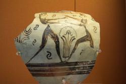 Fragment keramického kratéru v mykénském obrazovém stylu, zdobeného malbou dvou boxerů nebo zápasníků. Enkomi na Kypru, 1300-1250 před n. l. Britské muzeum, GR 1897.4-1.1287. BM Cat Vases C334. Kredit: Zde, Wikimedia Commons. Licence CC.