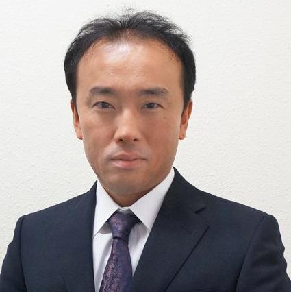 Mitinori Saitou, dnes již profesor na University of Koyto, vedoucí kolektivu, jemuž se podařilo z lidských somatických buněk vychovat oogonie. Kredit: Kyoto University.