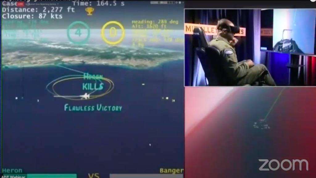 Finále mezi inteligencí Heron Systems a lidským pilotem. Kredit: DARPA.