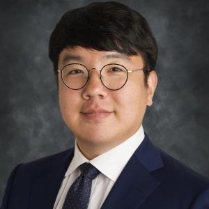 Stephen Baek, absolvent strojního a leteckého inženýrství v Soulu, docent na Ústavu průmyslového a systémového inženýrství, University of Iowa. Kredit: UVA DATA SCIENCE.