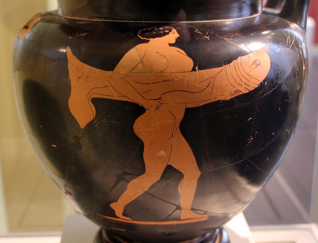 Attická hetéra vyráží do falického průvodu, 470 př. n. l. Altes Museum berlin. Kredit: Sailko, Wikimedia Commons