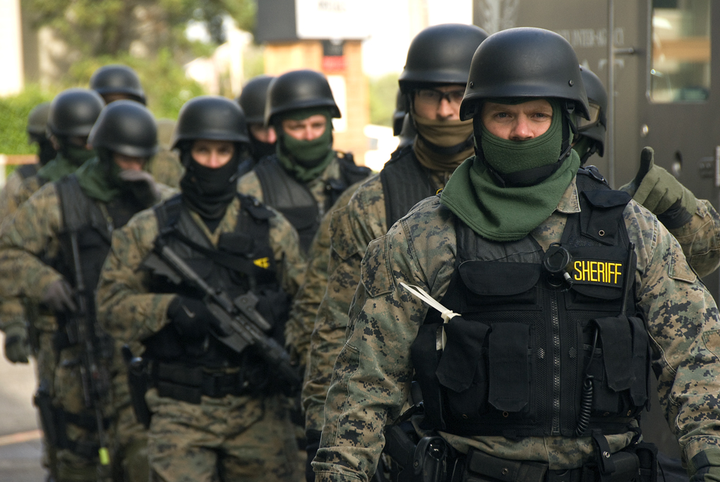 SWAT team na cvičení. Kredit: Oregon Department of Transportation.