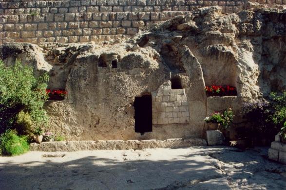 Tzv. zahradní hrobka v Jeruzalémě, 8. až 7. století před n. l., ale mohla být sekundárně použita. Kredit: Phillip Benshmuel, Wikimedia Commons.