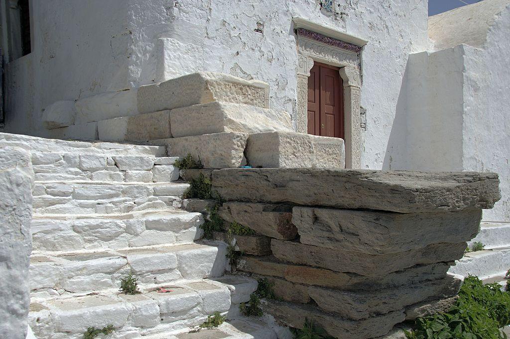 Antické základy byzantského křesťanství. Kastro v Parikii. Kredit: Zde, Wikimedia Commons. Licence CC 4.0.