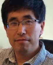 Zhigang He, Barakův týmový  kolega, profesor neurologie a oftalmologie na Harvard Medical School. Kredit: HU.
